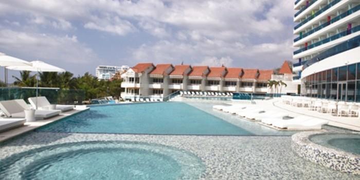 Uff las americas resort y centro de convenciones for Alberca las americas
